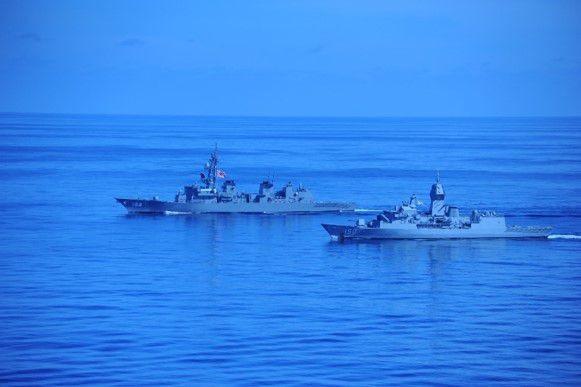 Mỹ, Trung đồng loạt điều tàu sân bay tới Biển Đông và Biển Hoa Đông: Cạnh tranh gay gắt, xung đột gia tăng
