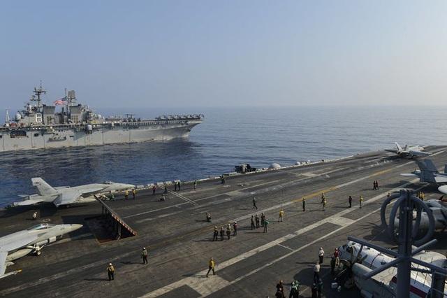 Cuộc so kè hiếm thấy của tàu sân bay Mỹ - Trung tại Biển Đông - 1