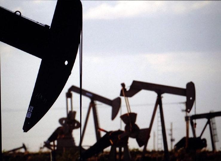 Chính quyền Tổng thống J. Biden tạm dừng cấp phép khoan dầu khí