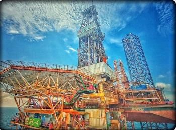 Dự báo giá dầu: cố gắng giữ giá với nhiều áp lực