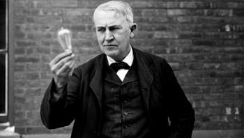 31/12/1879: Thomas Edison trình diễn bóng đèn sợi đốt