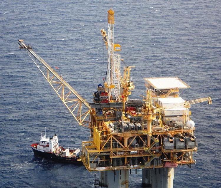 13 bang kiện chính quyền Biden ngừng cấp phép khoan mới dầu khí