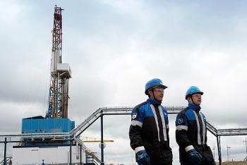 Gazprom Neft chuyển nhượng dự án dầu quan trọng cho Royal Dutch Shell