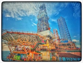 Dự báo giá dầu: tuy khó khăn chỉ trong ngắn hạn, dầu tồn kho tăng là yếu tố quyết định giá dầu