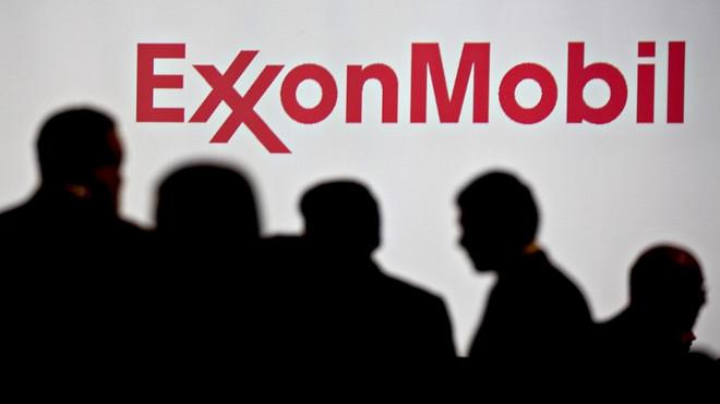 exxonmobil doi mat tham hut ngan sach chua tung co