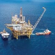 Các traders đưa ra dự báo trái ngược về thị trường dầu toàn cầu