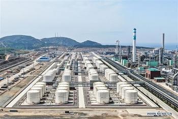 Trung Quốc đầu tư hàng chục tỷ USD vào hóa dầu, gây nguy cơ phá giá