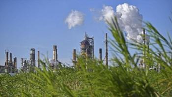 Shell bán ít nhất 5 nhà máy lọc dầu toàn cầu