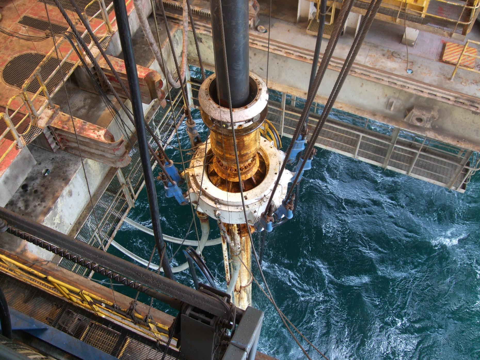 """Lukoil giảm đầu tư ở thị trường """"ruột"""" Kazakhstan"""