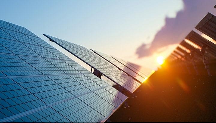 Pháp: Orange và Engie ký hợp đồng mua bán năng lượng tái tạo trong vòng 15 năm