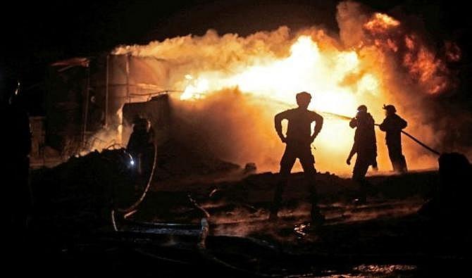 Syria: Các nhà máy lọc dầu bị tấn công, 4 người chết