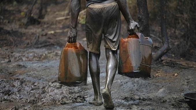 nigeria 22 trieu thung dau bi danh cap trong 6 thang
