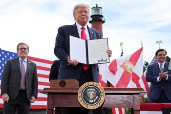 Trump gia hạn lệnh cấm khoan dầu tại bang Florida thêm 10 năm