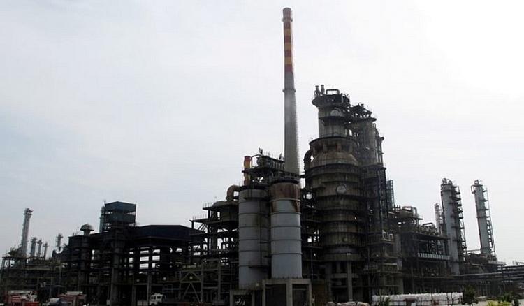 Trung Quốc phản công OPEC