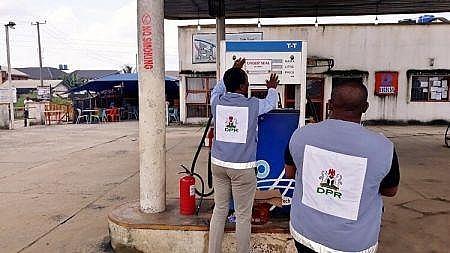 Nigeria đóng cửa 11 nhà máy khí hoá lỏng trái phép