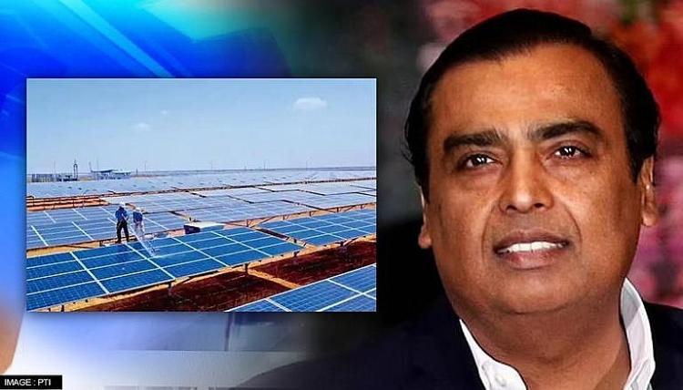 Ấn Độ mua một tập đoàn sản xuất tấm pin mặt trời của Trung Quốc