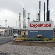 exxonmobil san luong tang nhung loi nhuan giam mot nua