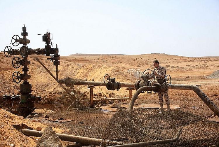 Mỹ áp đặt lệnh trừng phạt mới lên ngành dầu mỏ Syria