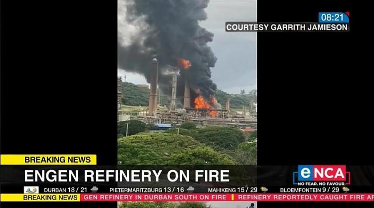 Nổ kinh hoàng tại nhà máy lọc dầu ở Nam Phi