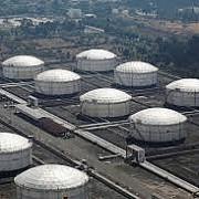 Nguồn cung dầu thô hằng tuần của Mỹ tăng gần 9 triệu thùng