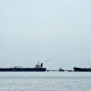 Chính quyền Biden gia hạn giấy phép của Chevron tại Venezuela