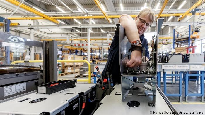 Mercedes có kế hoạch chuyển sang sản xuất hoàn toàn xe điện vào năm 2030