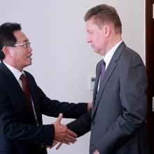 TGĐ Nguyễn Vũ Trường Sơn làm việc với lãnh đạo Gazprom, Premier Oil PLC và SKK Migas