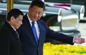 """Chính sách thân Trung Quốc của ông Duterte đang dần """"chết yểu"""""""
