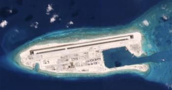 """Philippines """"tố"""" Trung Quốc vẫn đẩy mạnh xây dựng trên các đảo nhân tạo"""