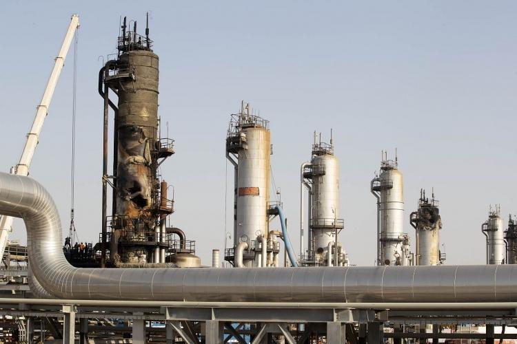 Iran bắt đầu tăng sản lượng khai thác dầu