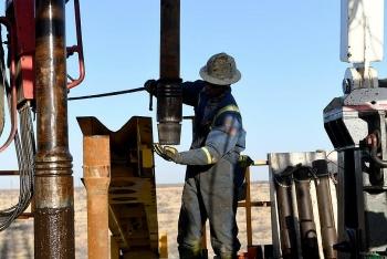 Nhu cầu dầu sụt giảm mạnh nhất trong lịch sử