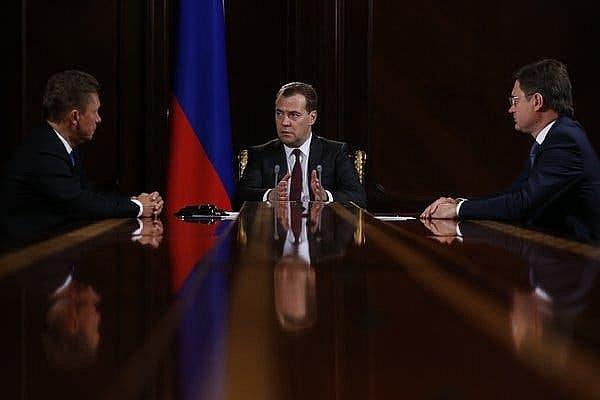Nga cho phép khai thác khoáng sản đồng hành