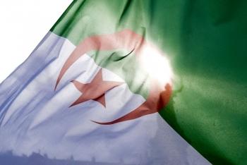 Algeria cắt giảm trợ cấp điện, khí đốt